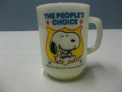 Snoopy *the People's Choice* Milkglass Mug 1980 Series No. 4