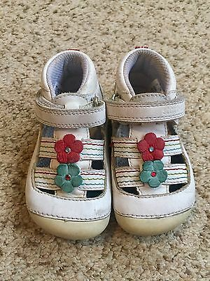 Baby Girls White Start Rite First Shoes! Size 4G! Vgc