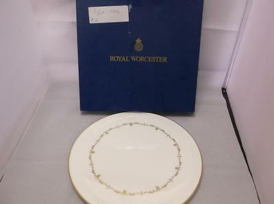 Royal Worcester Cake/Pizza Plate with Gold Chantilly Pattern (1010)
