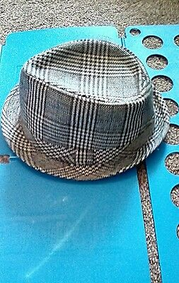 Trilby hat small size