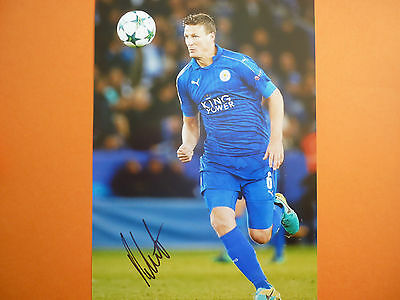 Leicester City Robert Huth hand signed photo 12x8