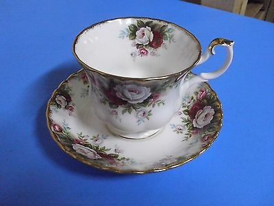 Royal Albert  Bone China Tea Cup + Saucer Celebration 1970