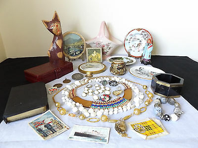 Vintage Job Lot Of 32 Collectable Items - Porcelain, Jewellery.