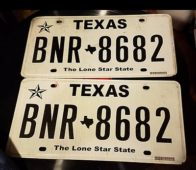 Texas tx  license plate match PAIR set  Lone Star state Barn Find   BNR 8682
