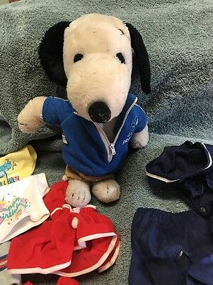 Vintage 1958 -1965  Dress Up Plush Snoopy With 14 Pieces Of Clothes