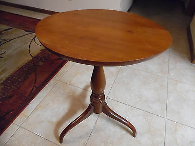 Vintage Oval Top Pedestal Candle Stand/Tea Table/Side Table W/Spider Legs