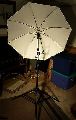 Professional 43 inch Photography Studio Umbrella Reflector with Tripod Stand