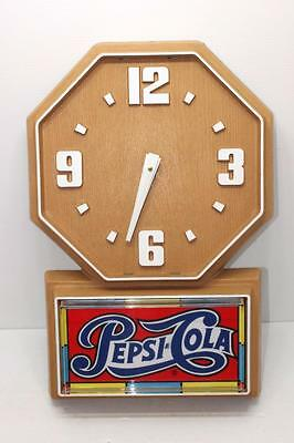 Vintage PEPSI-COLA Pepsi Advertising Clock Battery Operated Wall Clock 1990's?