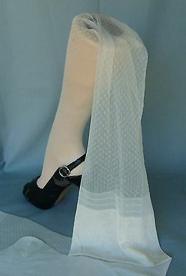 Luxurious VTG Albert's Cream Lace Seamless Textured Unworn Stockings~10-34~RHT~