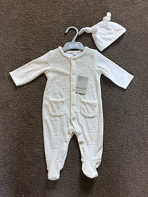 New Boots Mini club Unisex Light Fleece Sleepsuit All In One & Hat 0-3 months