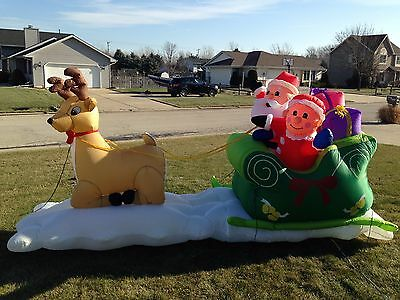 Vtg 12' Wide Christmas Mr. & Mrs. Claus w/ Reindeer Snow airblown/Inflatable
