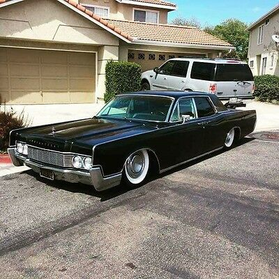 1967 Lincoln Continental  1967 Bagged Suicide Door Lincoln Continental