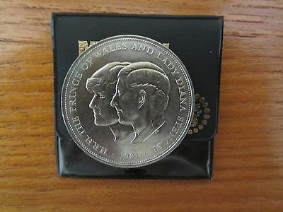 Hrh Prince Of Wales & Lady Diana Spencer Coin 1981