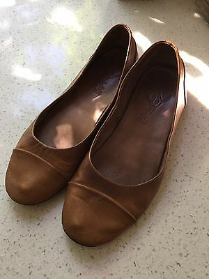 Amazing Designer ELK Brown Tan Leather Flats Shoes Size 39 Or 9