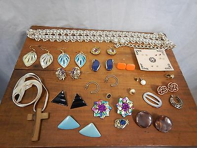 Lot of 18 Retro Vintage Jewelry Earrings & Necklaces, Clip Ons