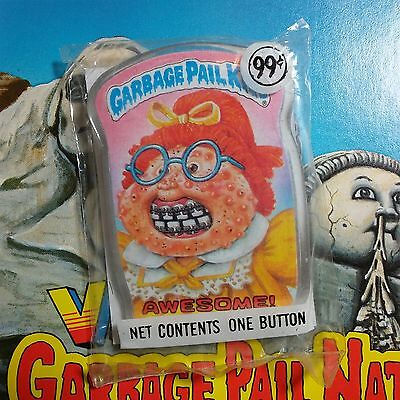 New & unopened vintage 1986 Garbage Pail Kids button AWESOME pin 1980's Topps