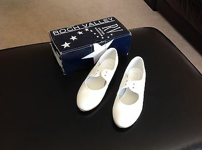 Girls white tap shoes, Roch Valley, size 1. Unused.