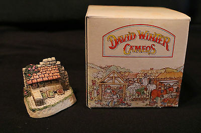 "David Winter Cameos ""Market Day"" Cottage with Original Box (1991)"