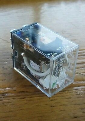 OMRON 24VDC 8-Pin Square Base General Purpose Plug-In Relay NEW! FREE SHIP!! #2B