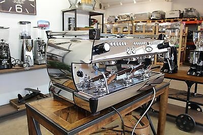 La Marzocco GB5 Auto Volumetric 3 GROUP  Commercial Espresso Machine