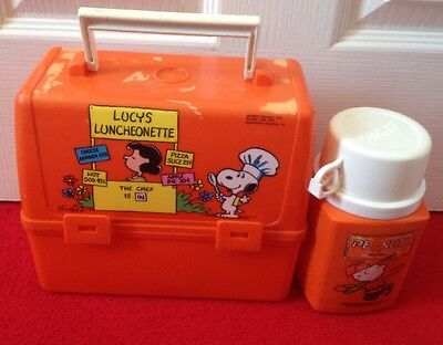 c1965 SNOOPY LUNCH BOX & THEMOS FLASK.LUCY'S LUNCHEONETTE BOX.PEANUTS FLASK