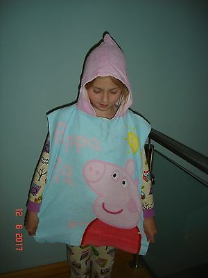 Girls Peppa Pig Poncho Towel / Beach / Pool Vgc