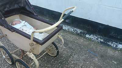 Vintage RETRO Triang 1950's Dolls Pram and doll