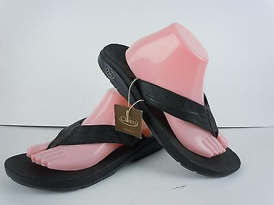 NWT Mens Chaco Black Leather Thong Sandals Size 10