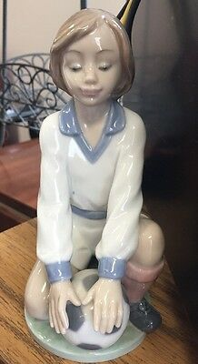 "Lladro    ""Team Player""   #6185 - Glaze Soccer Girl"