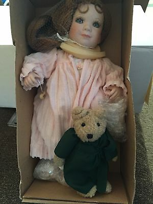COTTAGE COLLECTIBLES BY Linda Steele doll Wendy & Peterbear