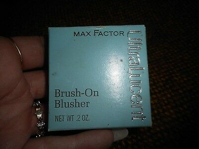 Vintage Max Factor Ulralucent Brush On Blusher Tender Peach
