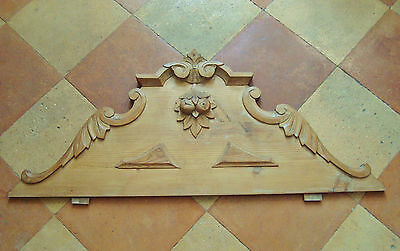 Gorgeous Large Carved Wooden Pediment Decorative Mount Architectural Salvage