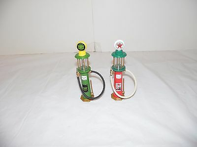 Gearbox Collectibles 2 Piece Lot Replica Gas Pumps John Deere Texaco Sky Chief