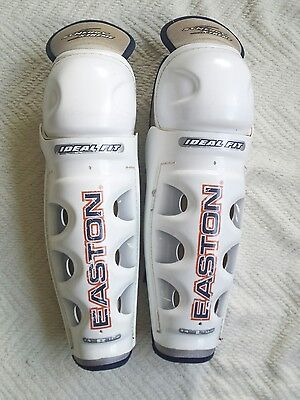 "Easton Shin Guards size 14""/36cm And 5 Pairs Of Hockey Socks"