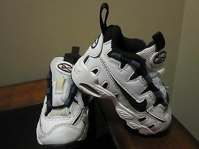 Nike Baby Shoes Size 4C White & Navy Lace Up