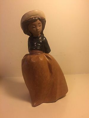 """Nao By Lladro"""" Figurine, Young Girl With Hat"""