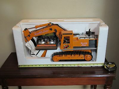 """New Bright Campbell""""s Soup RC Caterpillar Power Excavator Promo Toy  Rare"""