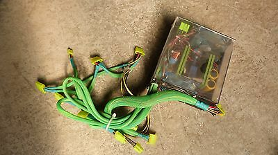 APEVIA Chameleon ATX-AS550W-BK 550W ATX12V Power Supply Green }