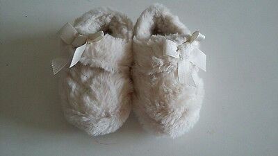 NEXT Toddler Girl Cream Furry Slippers Size 3