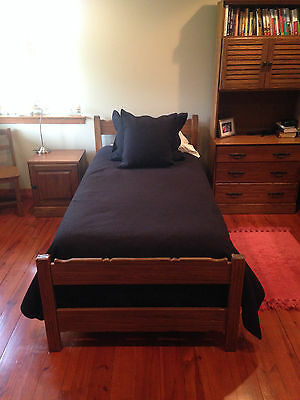 Brandt Ranch Oak Bedroom Set. Excellent condition.