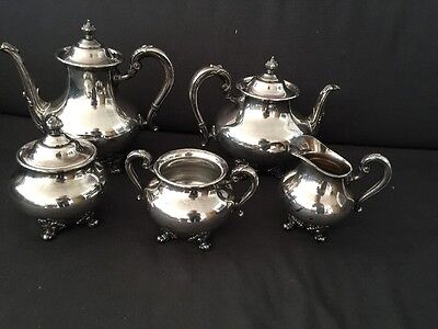 Reed and Barton 5600 Regent silverplate coffee/tea set excellent condition
