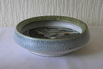 """DENBY GLYN COLLEDGE LEAF PATTERN fOOTED  BOWL: 8.5"""" ACROSS/2.5"""" DEEP: VGC"""