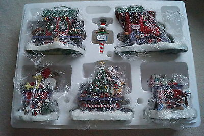 """Garfield Christmas Express Train- Danbury Mint """"exceptional"""" condition"""