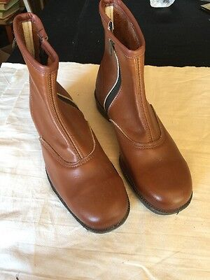 VINTAGE STEEL CAP LEATHER BOOTS SIZE 7 NEVER USED VICTORIAN RAILWAYS RETRO 1970s