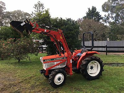 Kubota L2402DT 27 HP 4x4 4in1 Bucket Level Lift Tractor 3pl PTO Manual Trans