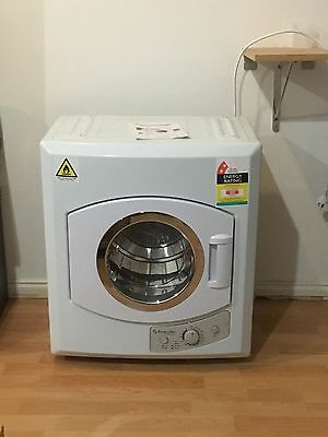 Stirling 4.5kg Clothes Dryer