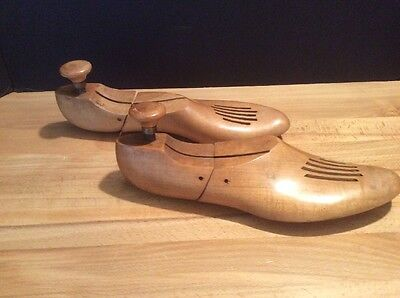 Vintage Pair Wooden Shoe Forms Molds 10 3, Hinged