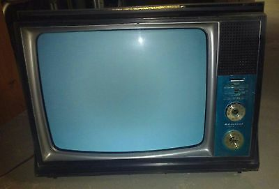 """ADMIRAL 21'' TV BLACK & WHITE """"INSTANT PLAY"""" PORTABLE TELEVISION VINTAGE 1960's"""