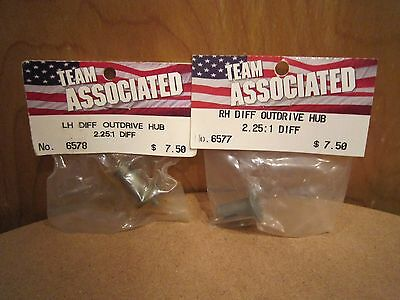 Team Associated RC10 Stealth Transmission Left/Right Diff Outdrive Hubs 6578/77