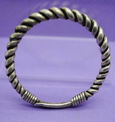 Nice decorative silver antique rope effect bracelet